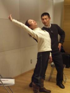 ダンス-反る動き05