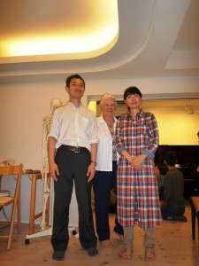 ヴィヴィアン・マッキーさん、jかわかみ ひろひこ&妻の京子さん 2012年10月2日 東京にて