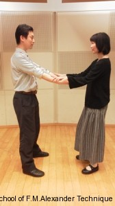 手を繋いだスクワット7/7