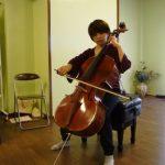 チェロ演奏-ビフォー そんなに悪くは亡いのですが、全体的に少し潰れています。
